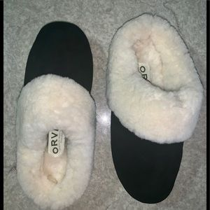 Orvis suede leather & genuine shearling sleepers.